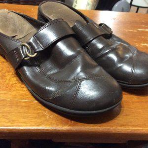 Comfy Slip Ons/clogs